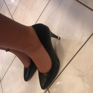 New apt. 9 heels